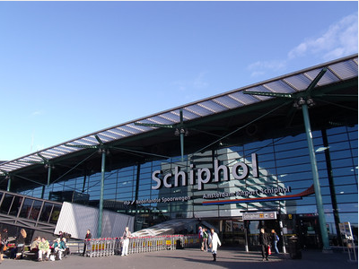 Save money on flights using alternative airports in Europe