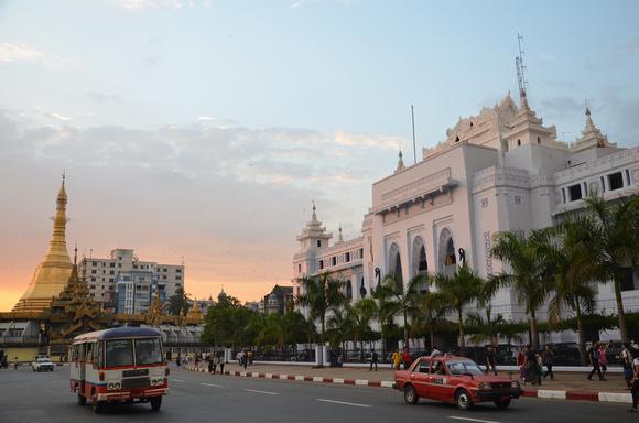 Sule Pagoda and City Hall, Yangon – Myanmar