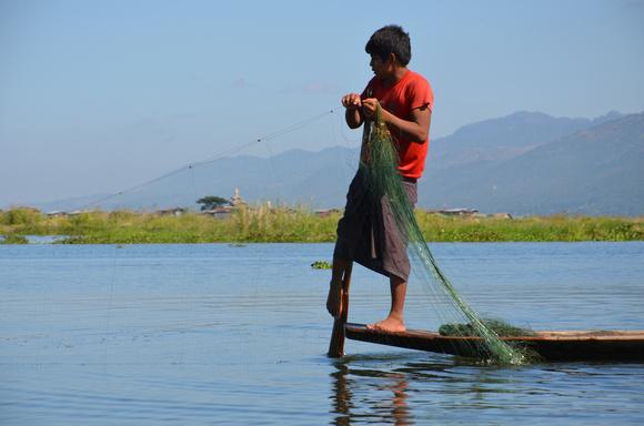 Leg rowing fisherman, Inle Lake – Myanmar