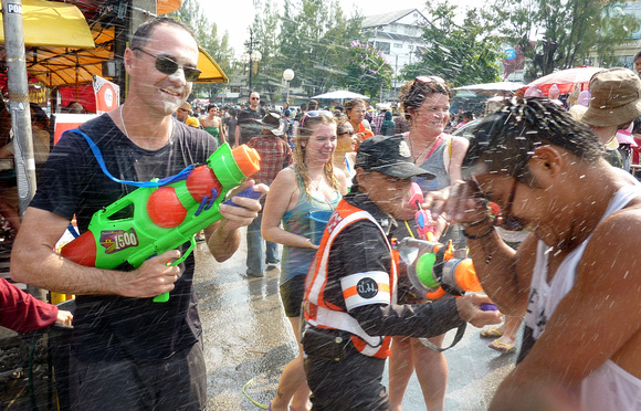 Songkran in Chiang Mai – The worlds greatest water fight