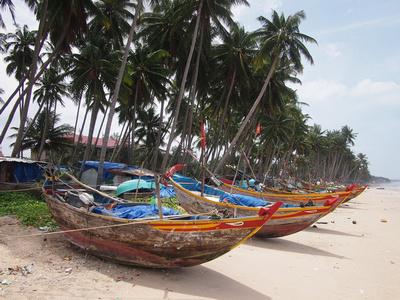 Fishing boats, Ham Tien Beach [Mui Ne] – Vietnam