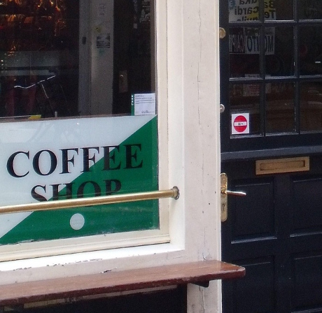 Cannabis coffeeshop displaying Coffeeshop license